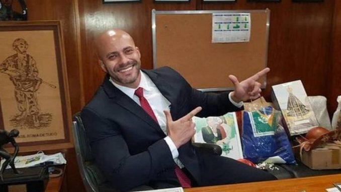 Preso por proferir ataques ao STF, o deputado Daniel Silveira agora cumpre prisão domiciliar. Imagem: Reprodução/Facebook.