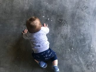 Bebê se locomovendo. [Imagem: Pexels]